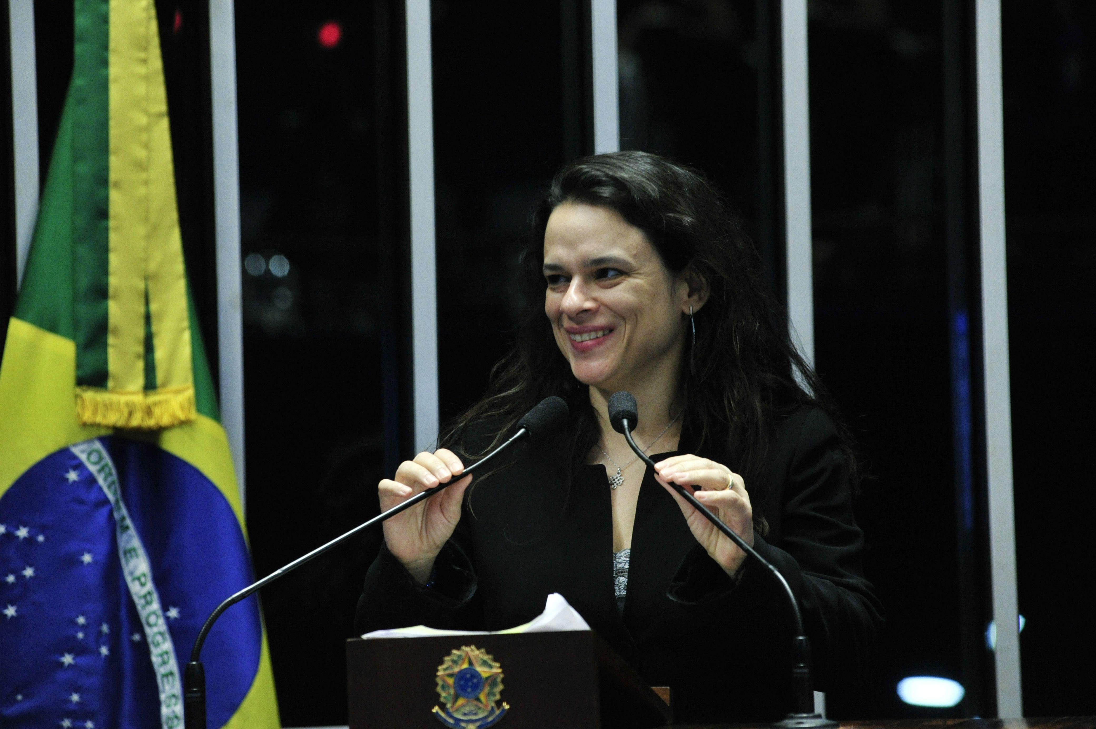 Autora do impeachment, Janaína Paschoal é a deputada estadual mais votada da história