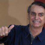 Bolsonaro puxa fotos de nanicos a governador