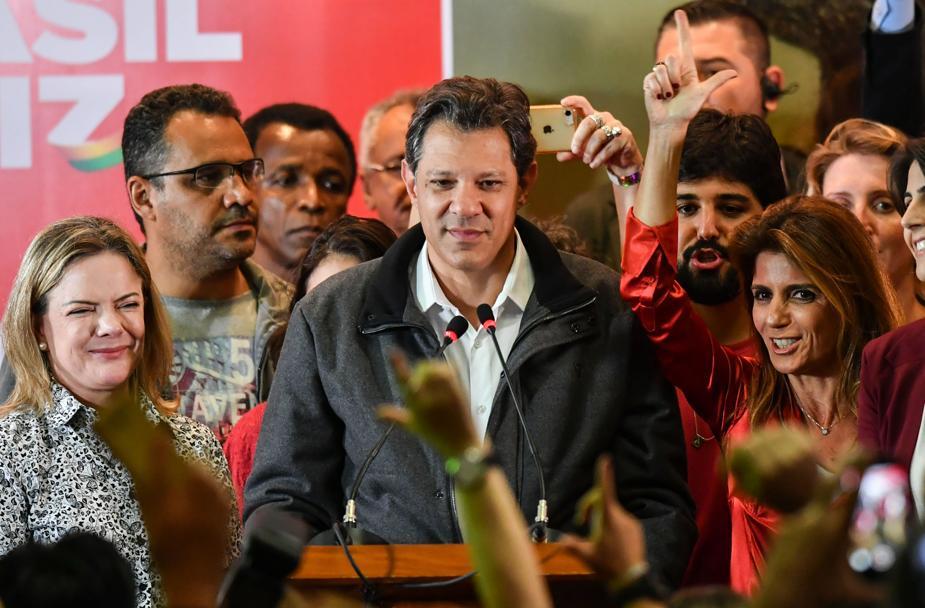 Haddad diz que vê risco à democracia e que Constituição está 'em jogo' com eleição