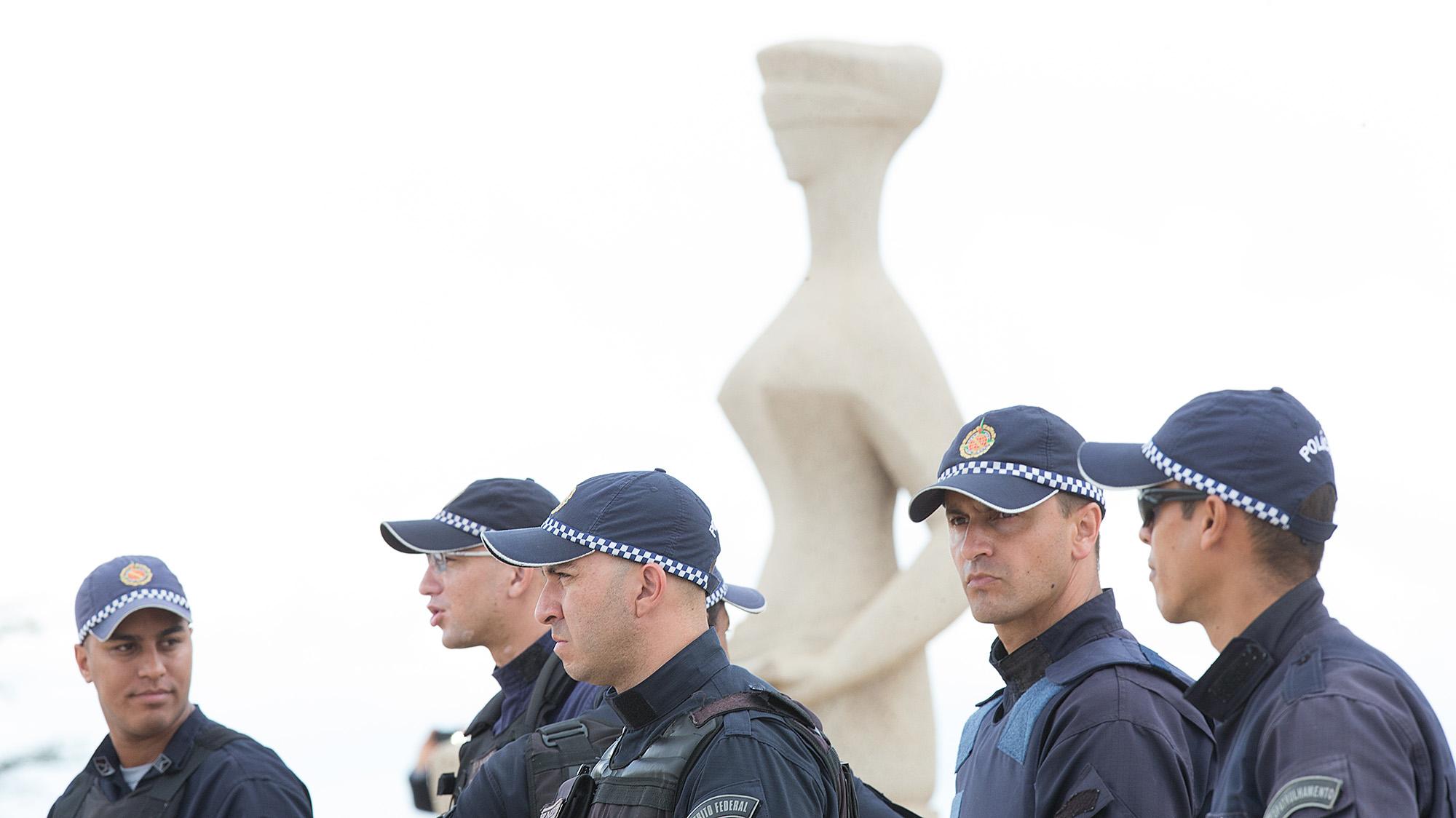 Escalada de ataques verbais deixa STF em alerta para proteger Constituição