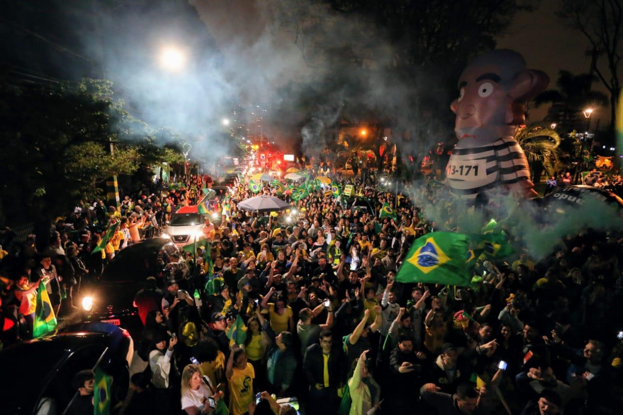 Saiba como foi a eleição no Paraná e a festa dos eleitores de Jair Bolsonaro (PSL)