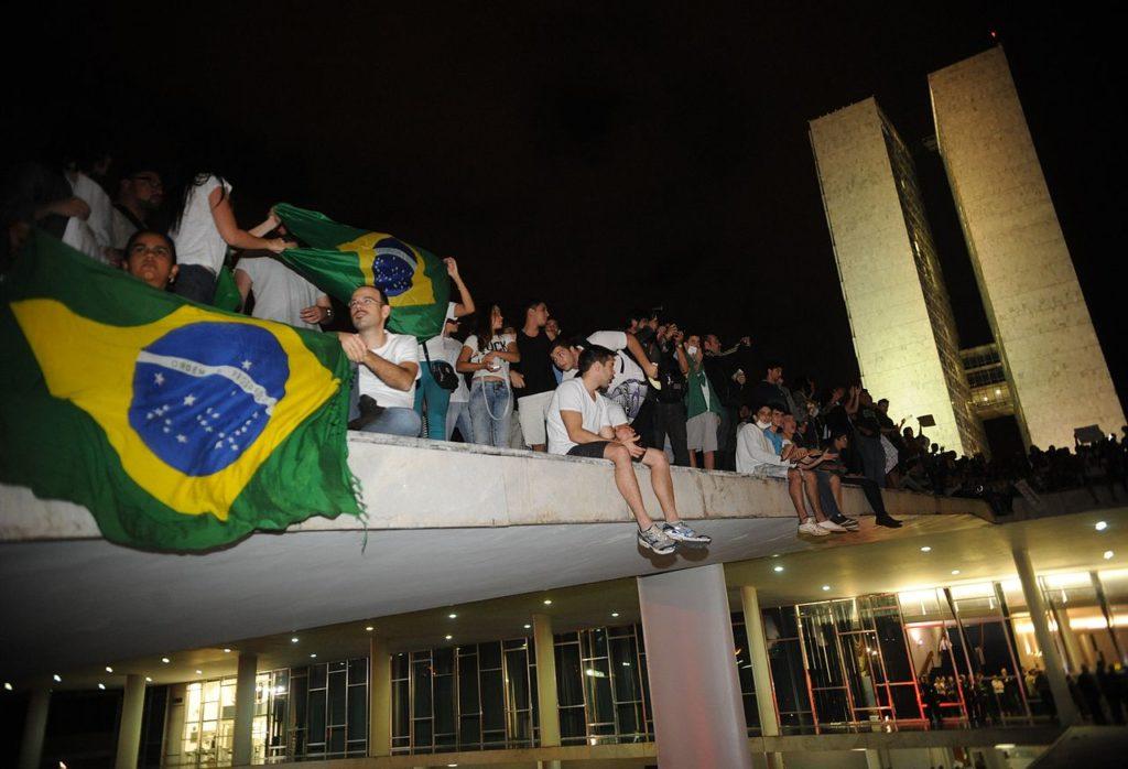 Os 5 anos de agitação política que levaram Bolsonaro ao poder