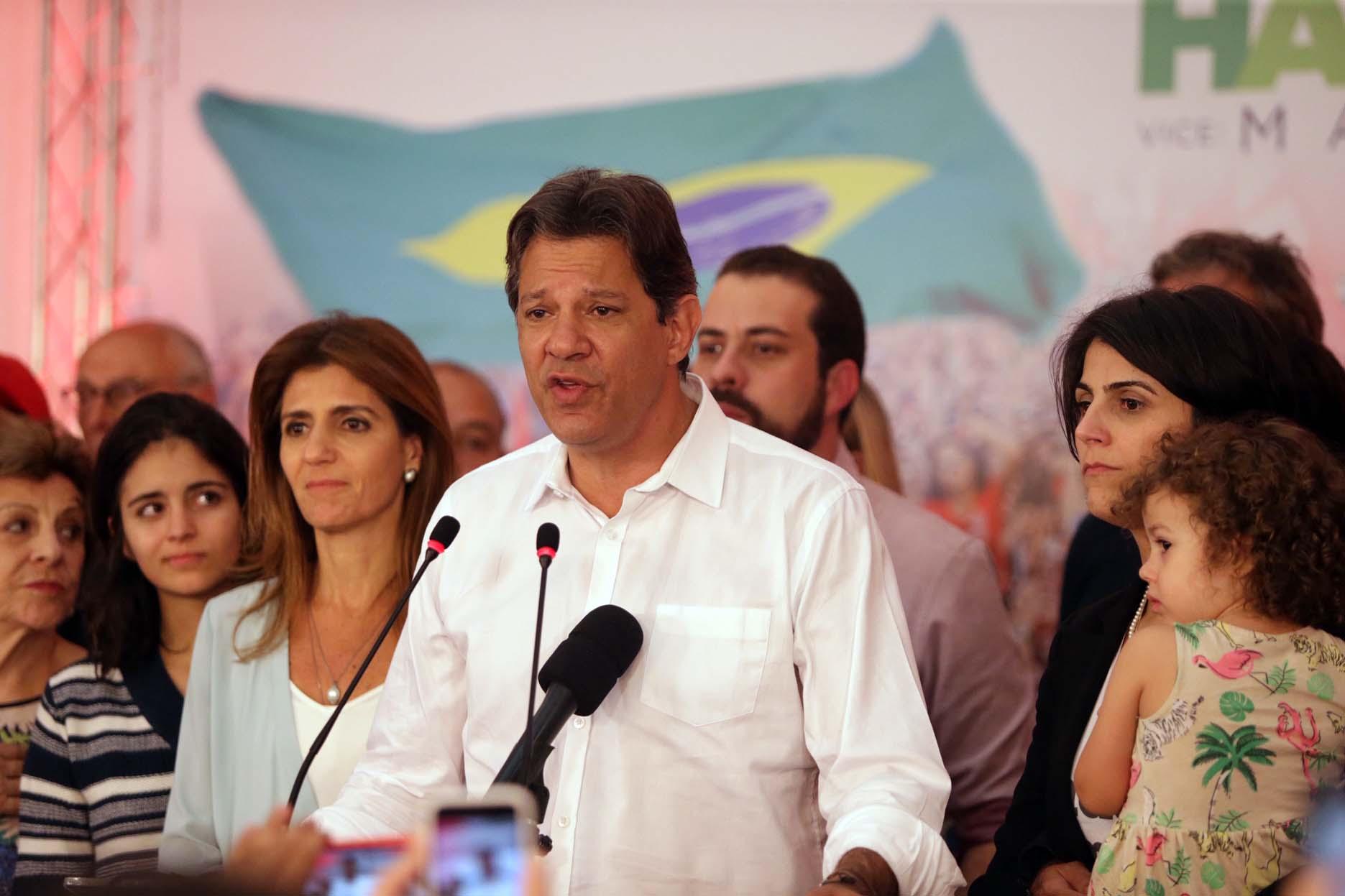 Líderes e fundadores do partido admitem: PT deixa a eleição rachado e menor